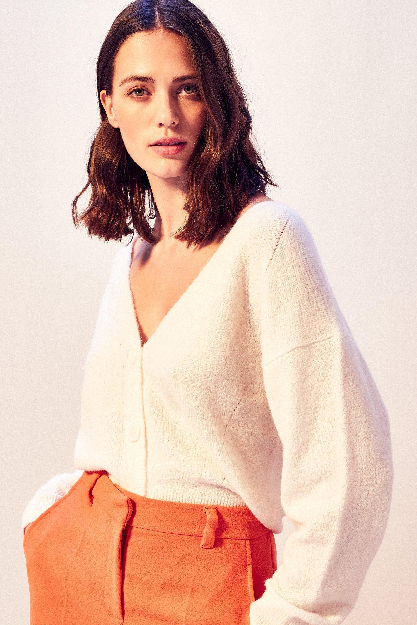 https://webmedia.cks-fashion.com/i/cks/118889WTM_10_l_model