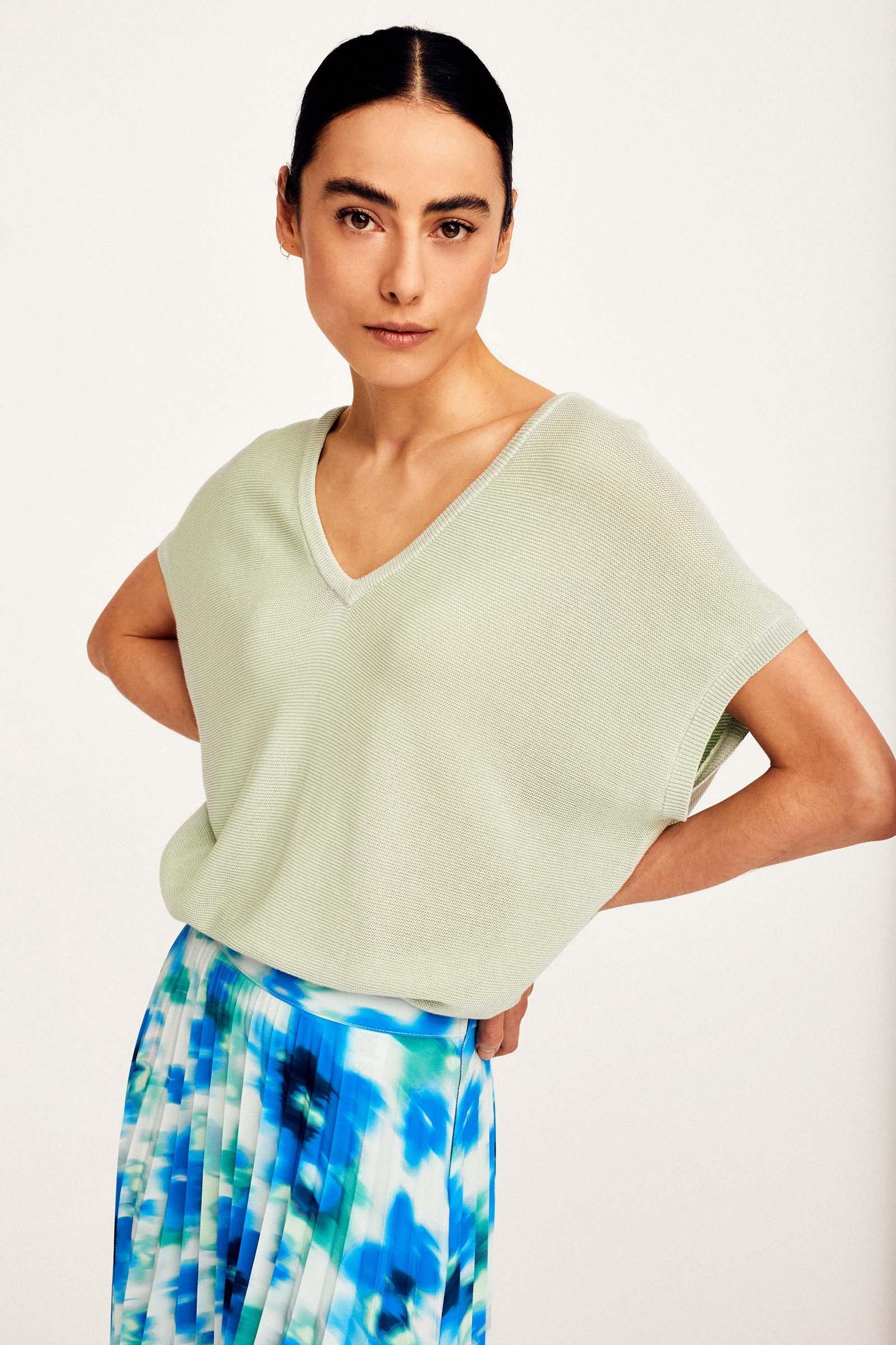 https://webmedia.cks-fashion.com/i/cks/119328GNM_30_f_model