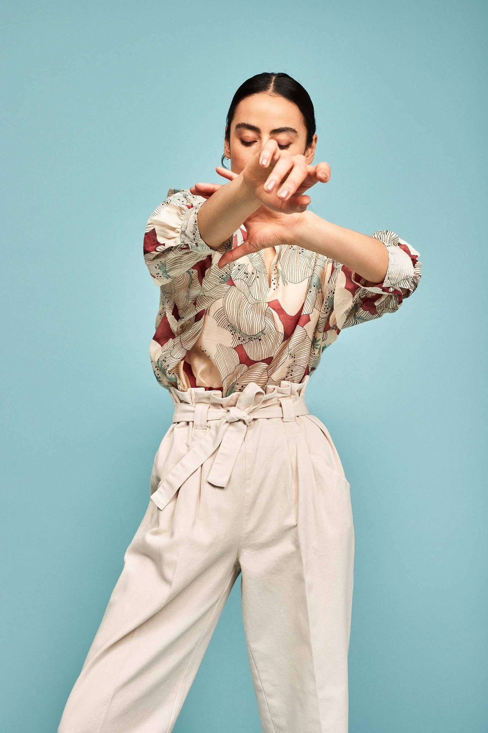 https://webmedia.cks-fashion.com/i/cks/123281ASM_10_l_model